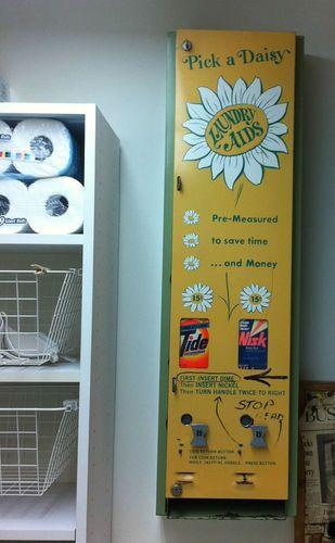 Rare Vintage Vending Machine Pick A Daisy Laundry Soap Authentic