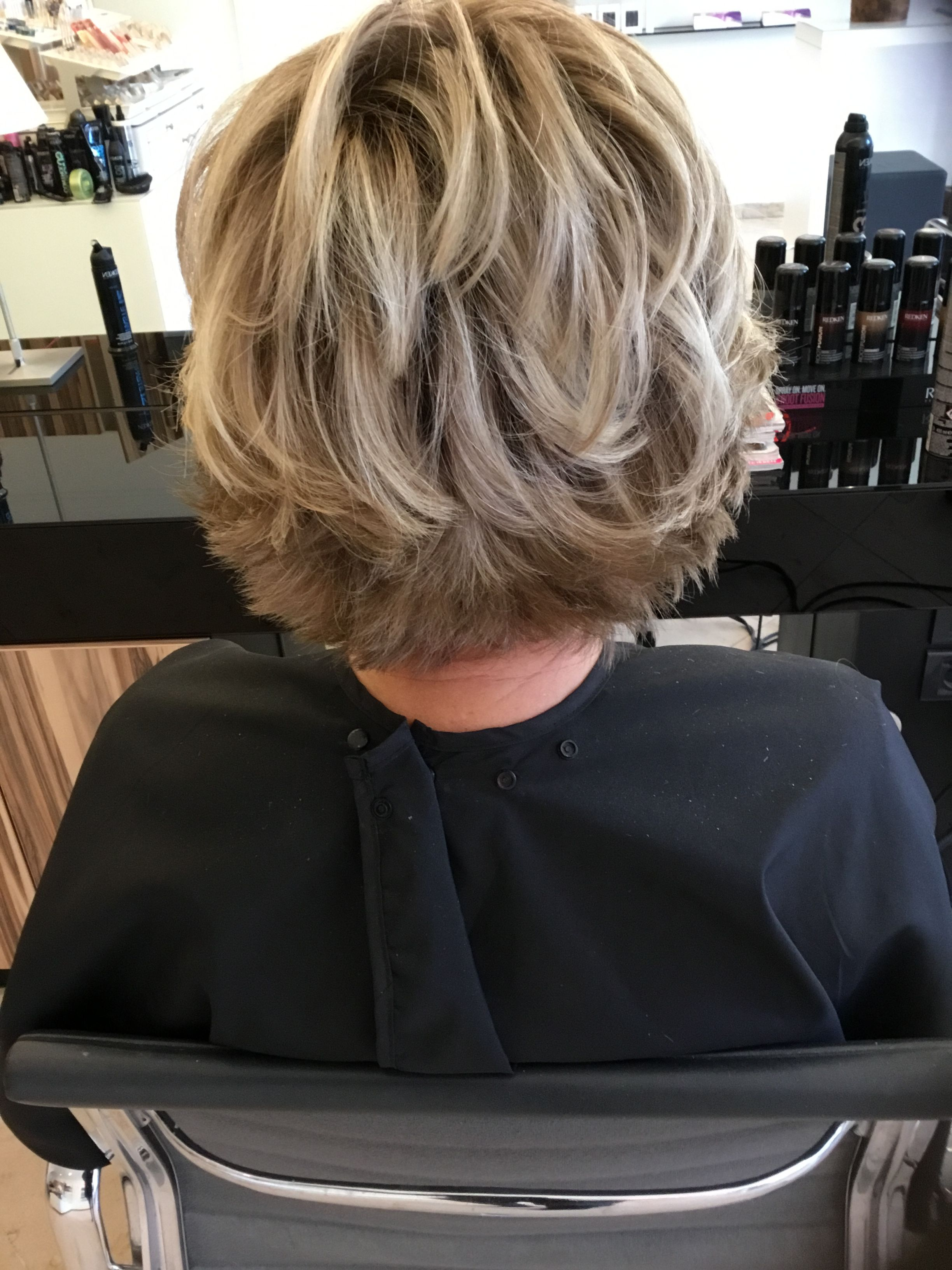 Style De Coiffure Femme Cheveux Mi-long Highlights Blondehair Salontournier Hair Etc