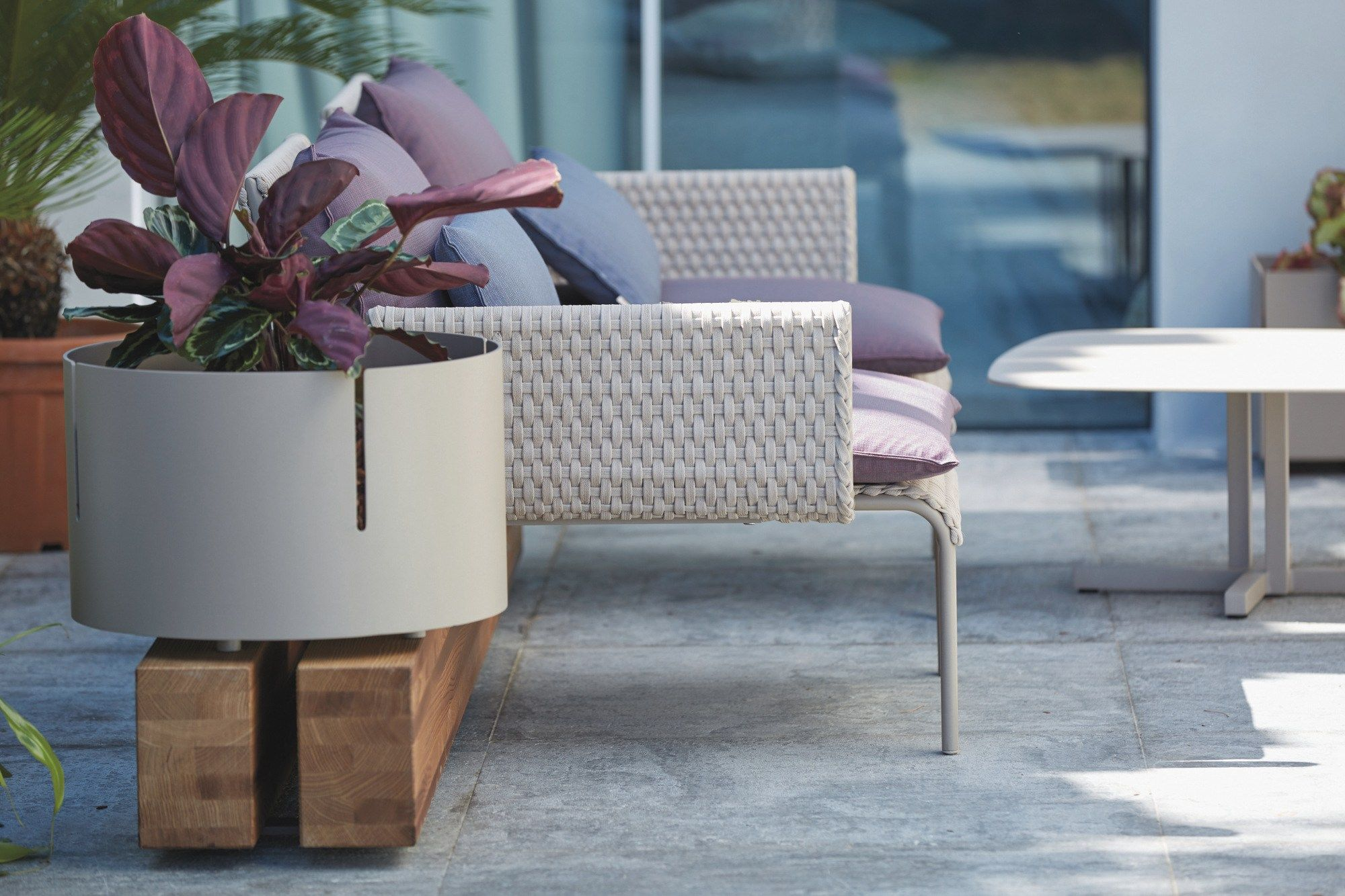 Key West Garden Bench By Roberti Rattan Design Roberto Papparotto Gian Vittorio Plazzogna Contemporary Outdoor Furniture Outdoor Furniture Sets Garden Bench