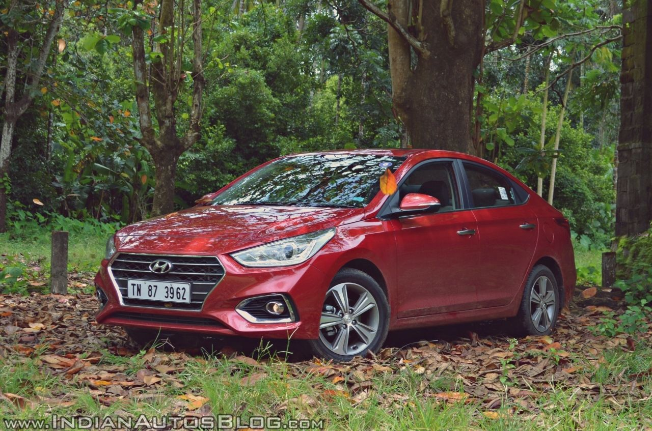 2018 Hyundai Verna 1 4l Petrol S Prices Specifications Features Detailed Hyundai Cars Car Photography Car