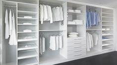 Elegant begehbarer Kleiderschrank mit Schiebet ren Ankleide Alpnach Norm Schrankelemente AG