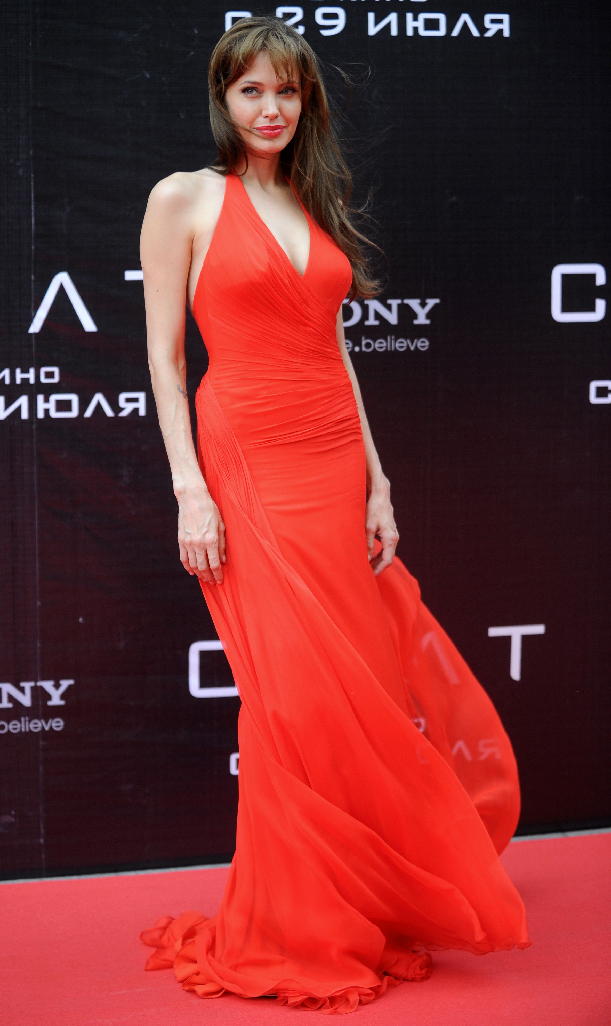 Red Dress Angelina Jolie Fashion Red Evening Gown Angelina Jolie Style [ 3976 x 2368 Pixel ]