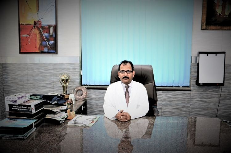 Dr R K Mishra Laparoscopic and Robotic Surgeon Surgeon