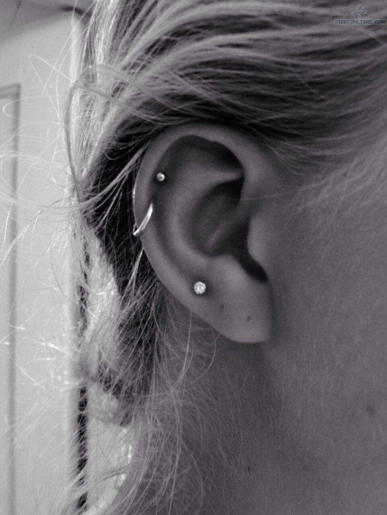 Nose piercing for big nose  stud and hoop helix piercing  Piercings uc  Pinterest  Piercing