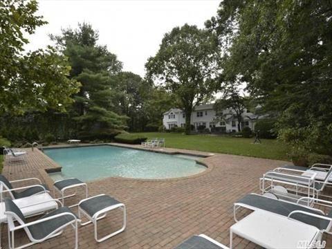 Single Family For Sale With 5 Bedrooms, 4 Full Bath, 1 Half Bath, Nassau, Old Westbury