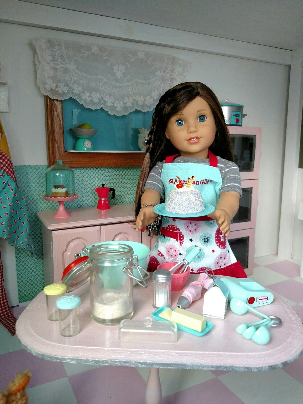 Baking a home cake for melody american girl doll