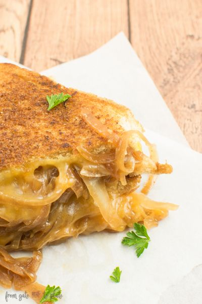 French Onion Grilled Cheese Sandwiches -- From Gate to Plate #SecretRecipeClub