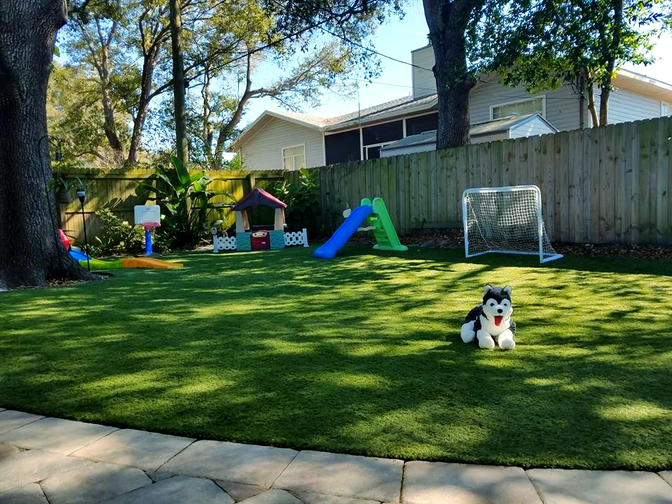 Pets Kids And Homeowners Love Artificial Grass Recycled Artificial Grass In Front Lawn Artificial Grass Artificial Grass Synthetic Grass Front Lawn