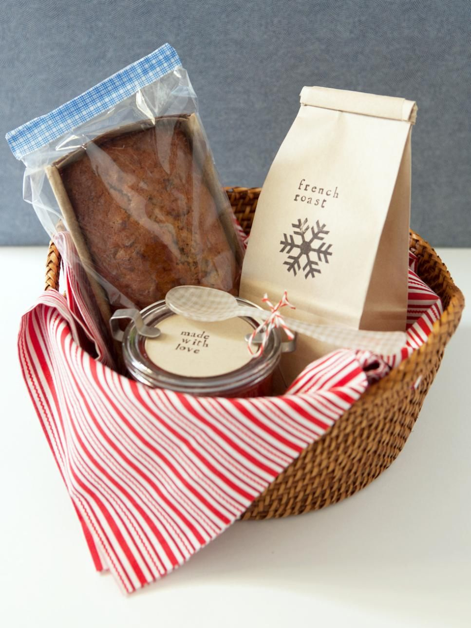 Get Crafty And Delight Friends And Family With The Top Pinned Homemade Christmas Gift Ideas From Our Pinte Breakfast Gift Basket Breakfast Gift Homemade Gifts