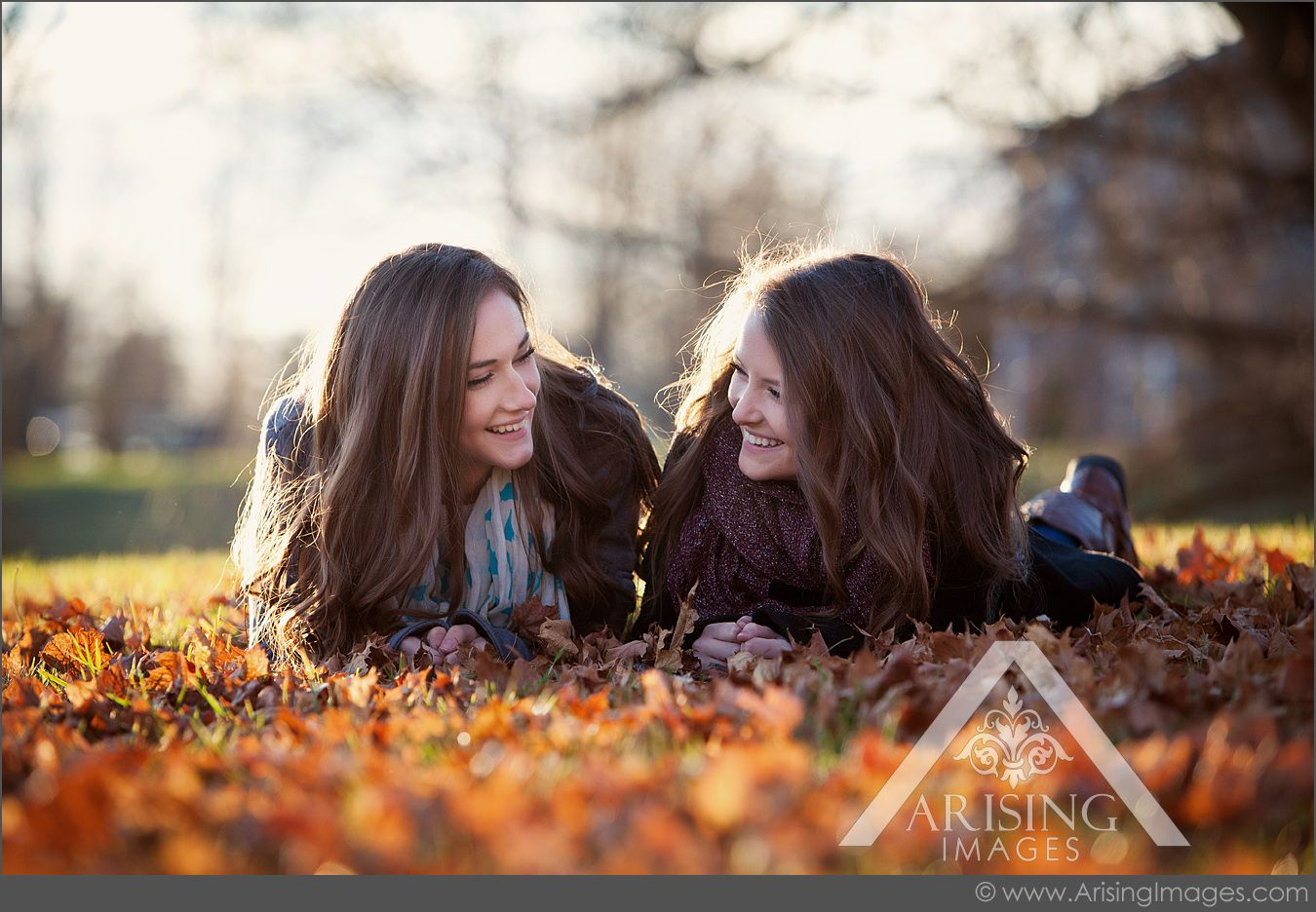 Cute fall senior pictures with your best friend!