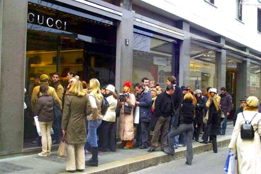 sale retailer ce6a7 99d04 insegne Milano, insegne luminose Milano, insegne negozi ...