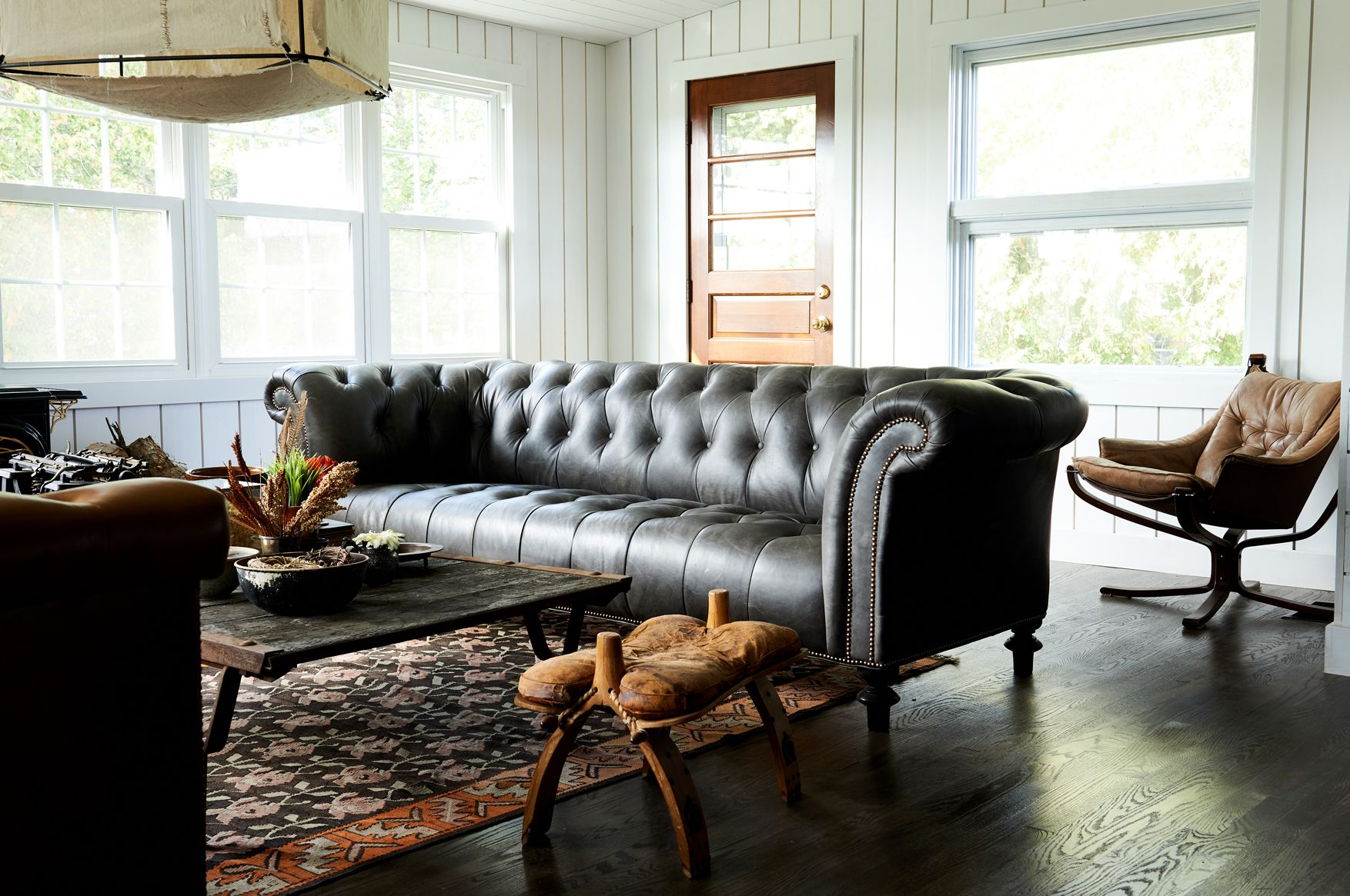 Restored by the Fords - Leanne Ford Interiors - The Brock Project - Shot by Alexandra Ribar // Sofas from Weiss House Furniture #leannefordinteriors