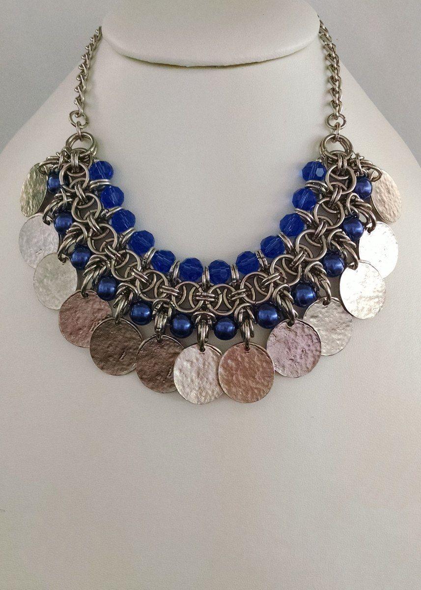 4a23005b87a8 collar medieval con cristales perlas y medallas de metal