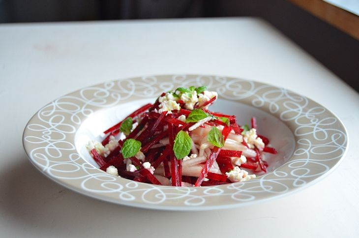 Salad with beetroot and pear