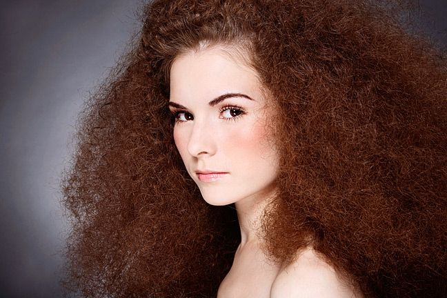 The Science of Hair - what makes hair straight, wavy, or curly.  Interesting! #ad