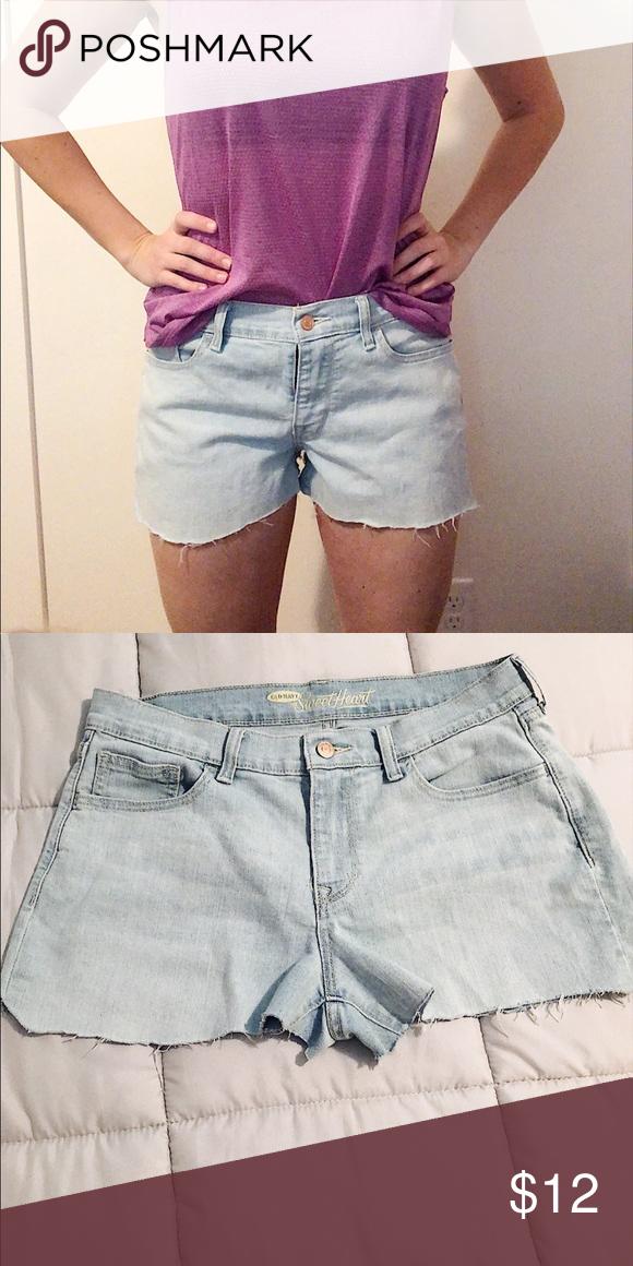 0d060cd379 Women's Jean Light Wash Shorts ▫️LIKE NEW ▫️Way cute jean shorts ▫️Size 8 Old  Navy Shorts Jean Shorts