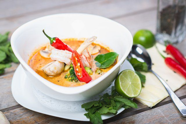 Saint-jacques au bouillon thaï