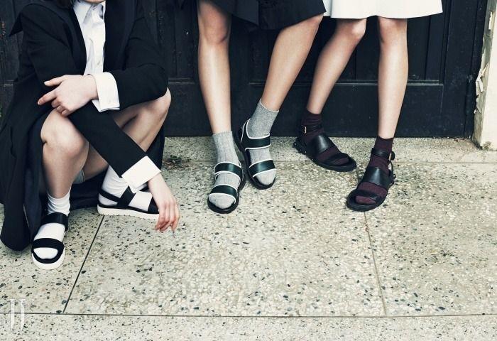 sandaler å strumpor