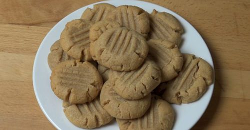 ever have a crave for cookies but you just don't have enough ingredients in the cupboard? chances are you got all you need for this amazing peanut butter cookies recipe.