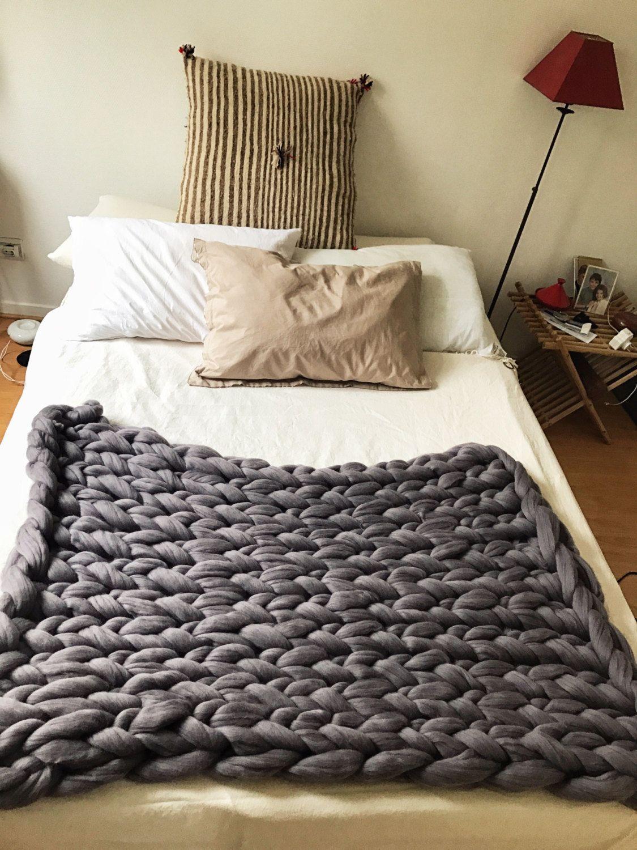 Plaid (ou tapis) 100% laine de merinos pure, 1m20x80cm environ, couleur gris  anthracite. Fait main en France. 762fa66c59f