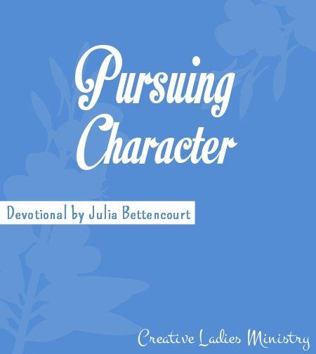 Pursuing Character Womens Devotional: Creative Ladies ...