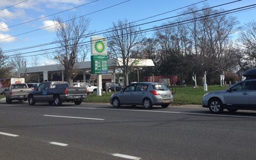 Gas station lines getting out of control | Suffolk Times