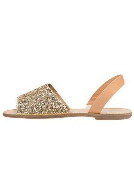 Pieces Psevey Sandals Glitter Gold Zalando Co Uk Cinderella Shoes Crazy Shoes Me Too Shoes