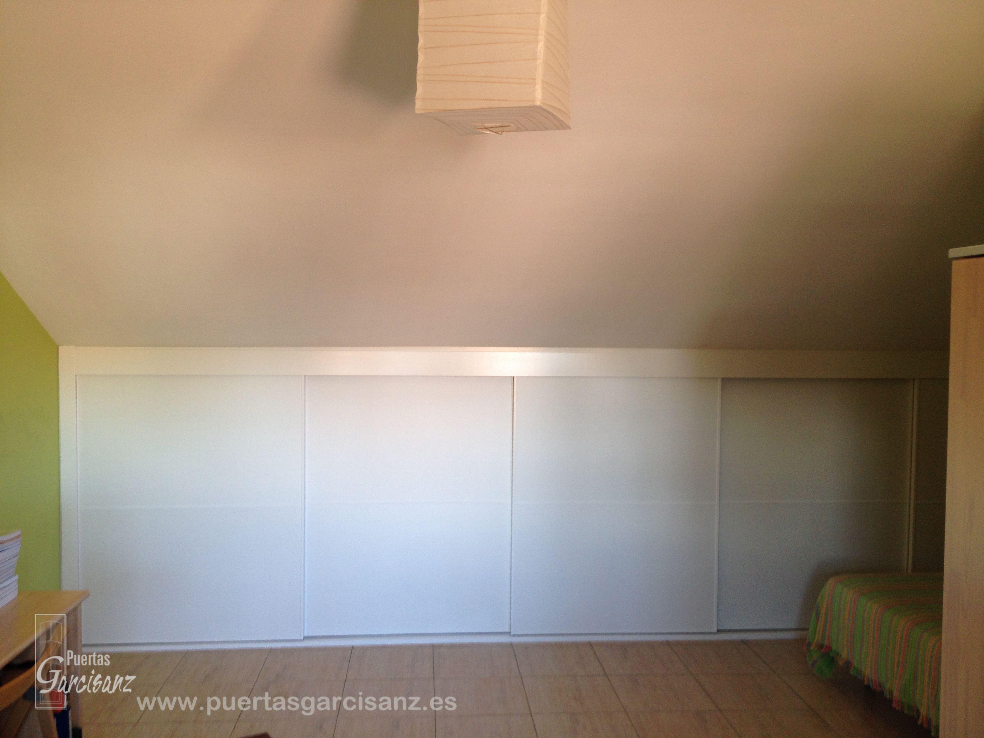 Instalaci N De Armario En Buhardilla En Acabado Blanco Con  # Muebles Buhardilla