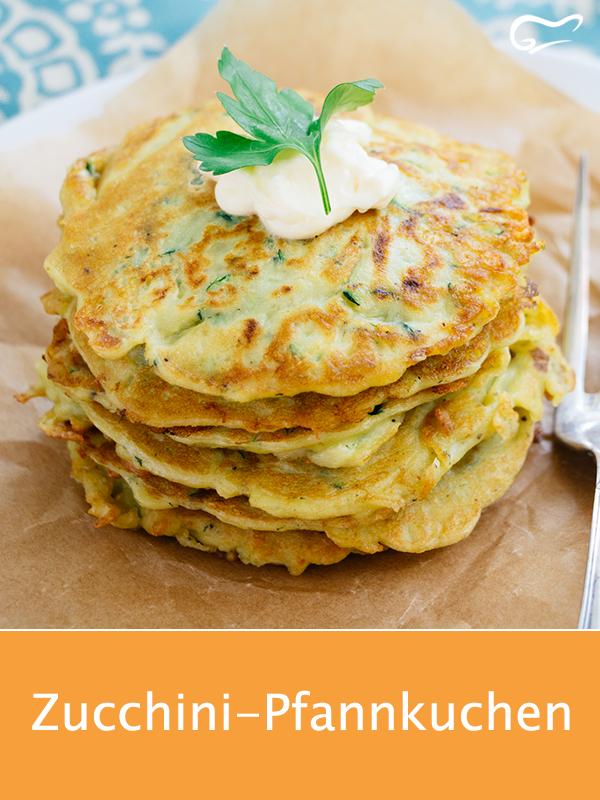 Photo of Die Zucchini-Pfannkuchen sind warm als auch kalt serviert ein echtes Schmankerl….