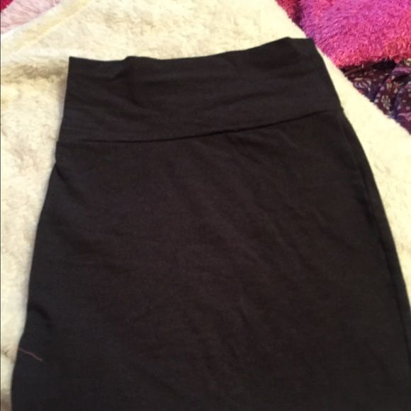 Charlotte Russe pencil skirt it looks long but it isn't, it's too short on me that's why I'm selling it haha. wore only a couple of times really cute Charlotte Russe Skirts Mini