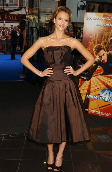 Jessica wore this brown satin prom dress to the Fantastic 4 film premiere in 2005.