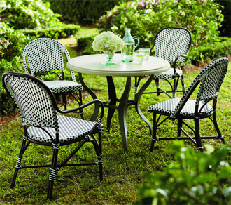 An Elegant Durable And Comfortable Outdoor Dining