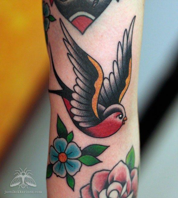 Paasky Tattooing By Jussi Kokkarinen Traditional Tattoo Robin Bird Tattoos Robin Tattoo