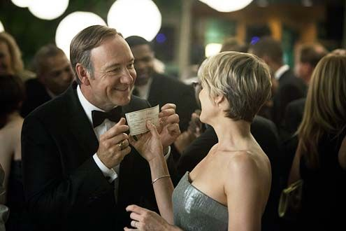 Robin Wright Haircut In House Of Cards House Of Cards Season 1 Chapter 5 Kevin Spacey An House Of Cards Seasons House Of Cards Claire Underwood Style
