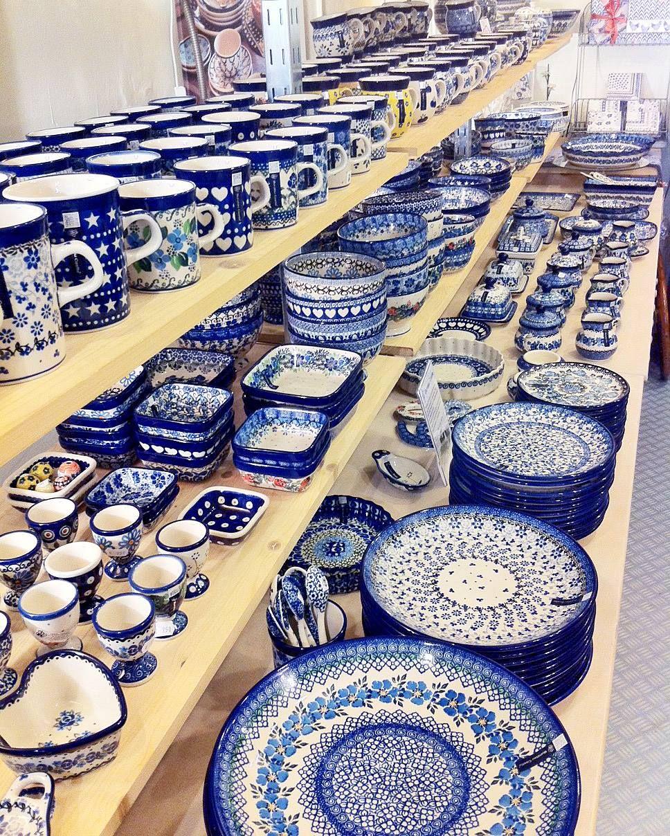 blue dishes Portuguese pottery // Een gedeelte van onze Bunzlau Castle collectie.  & blue dishes Portuguese pottery // Een gedeelte van onze Bunzlau ...
