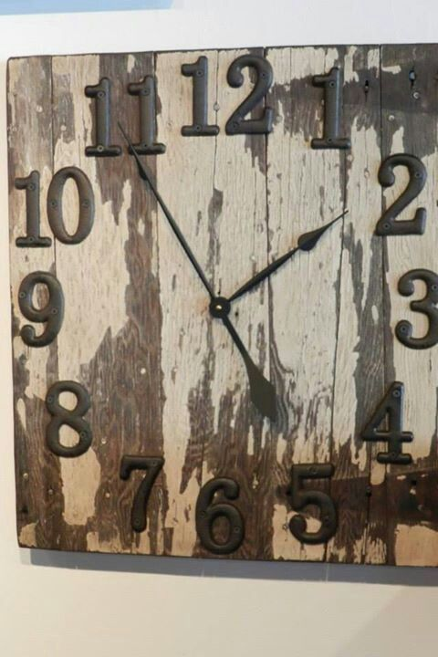Neat Barnwood Clock Needs More Embellishment But I Like The Idea Barn Wood Decor Barn Wood Crafts Barn Wood Projects