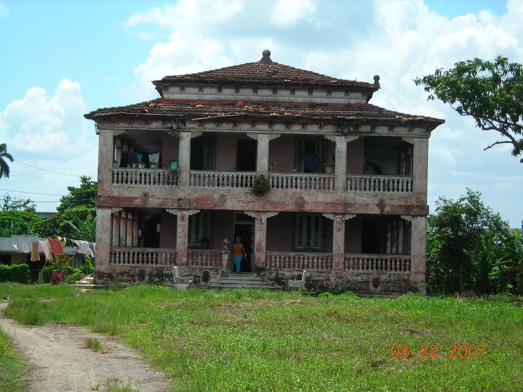 Mansion just outside the city of Pinar del Rio, By