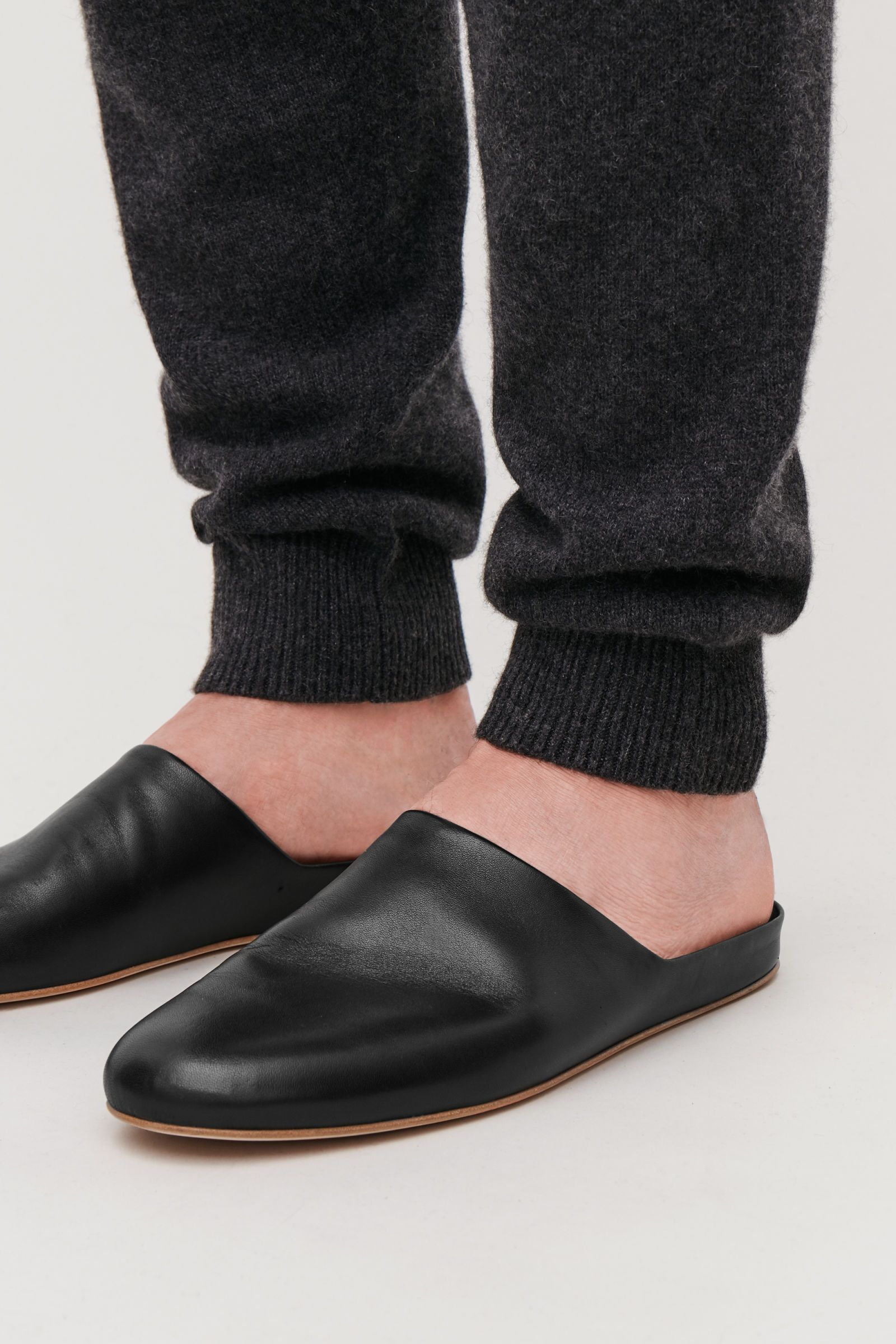 a5c88ddf6c3 COS | Leather slippers | wear in 2019 | Black slippers, Leather ...
