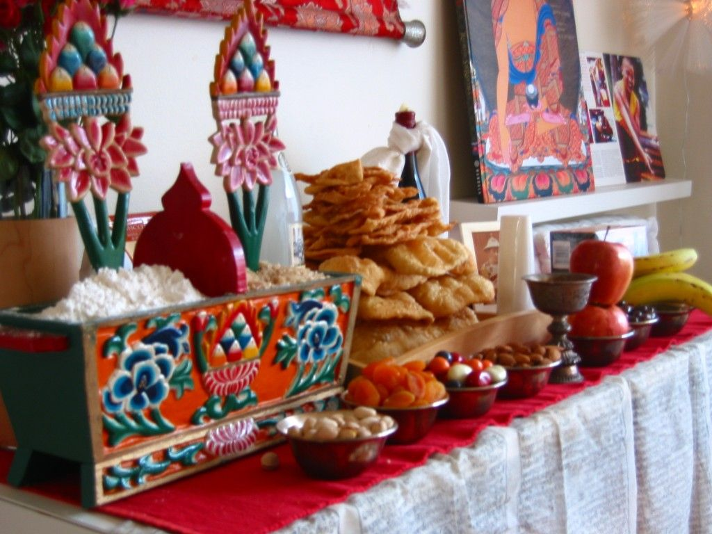 Altare di Losar nelle case tibetane Tibetan, Buddhist