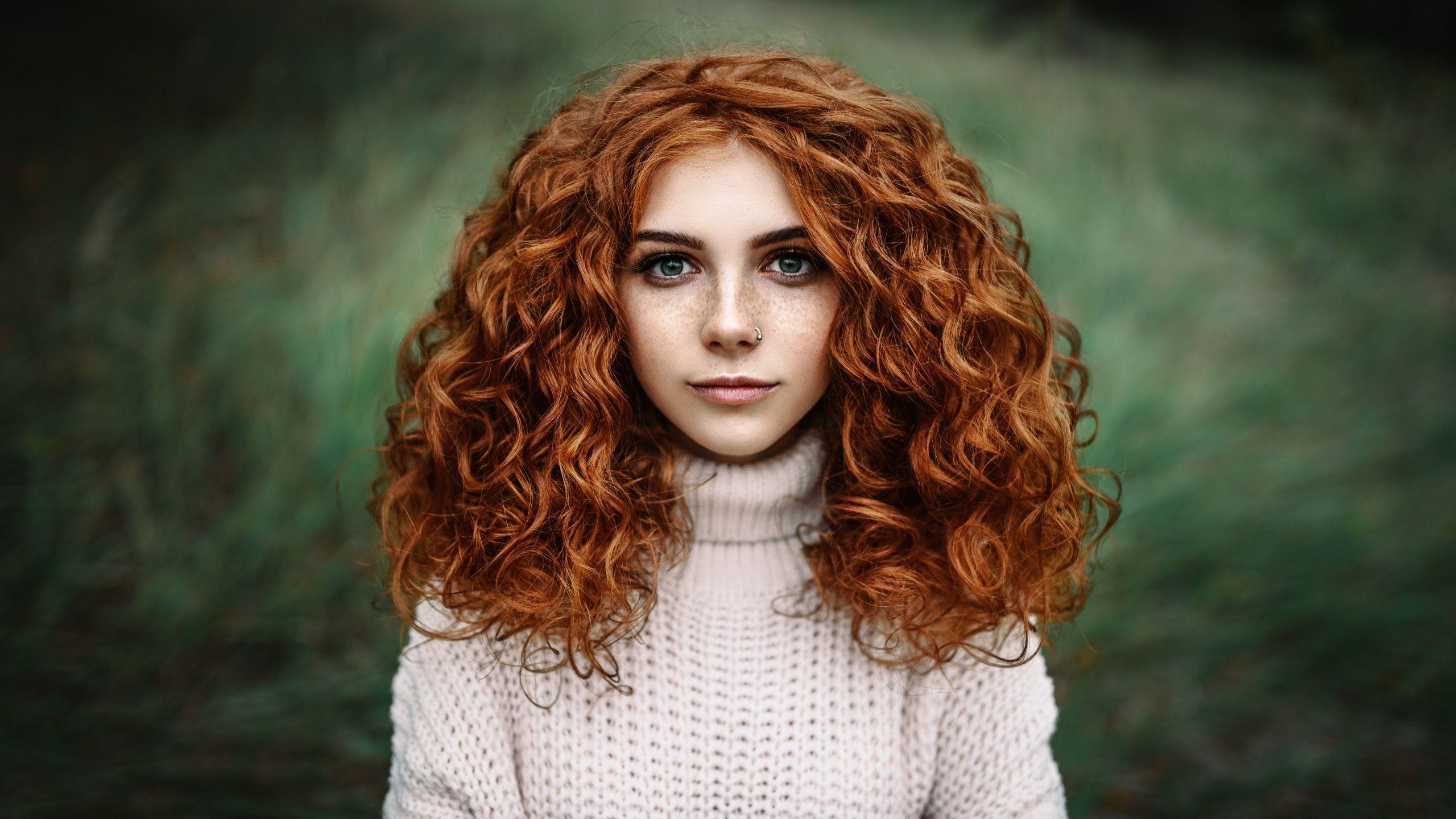 Women Redhead Face Long Hair Curly Hair