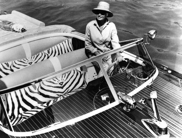 pinterest.com/fra411 - #wooden #classic #boat Riva