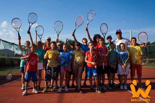 Vyzývame všetky tenisové nádeje Slovenska,  aby neváhali, chopili sa rakety a príležitosti, ktorá sa im núka a prišli predviesť svoje umenie na naše dvorce. #Wachumba #Tennis https://www.wachumba.eu/detske-sportove-tabory/detsky-sportovy-tabor-tennis?pid=59