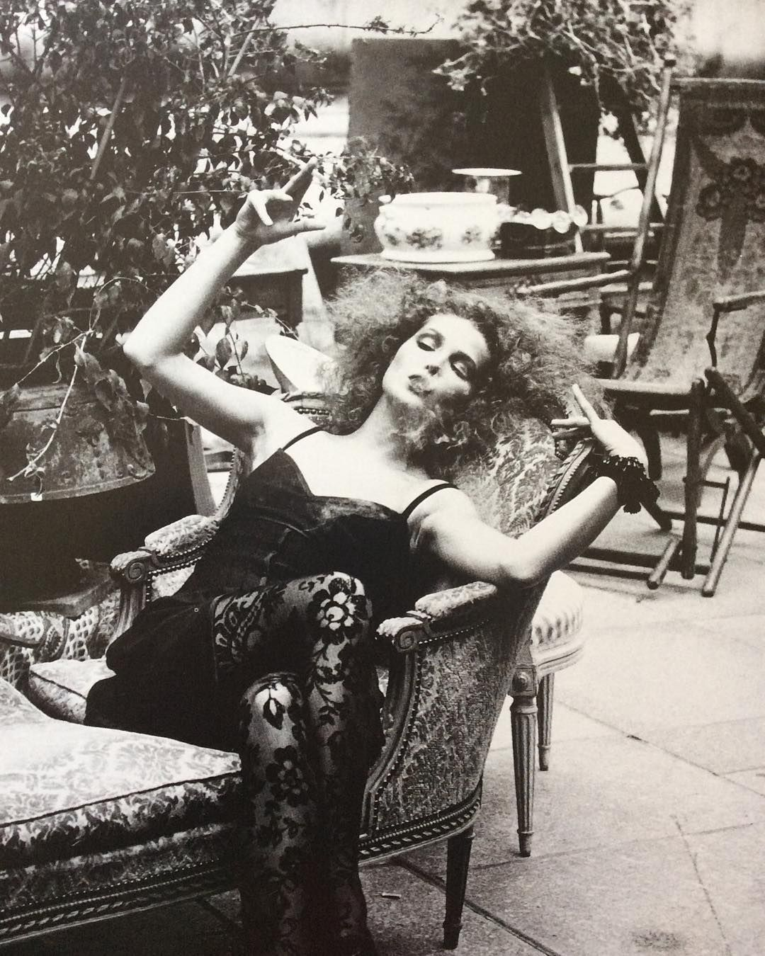 Pamela Hanson photograph for a #fashioneditorial #chicinnero in the September #1994 issue of Vogue Italia.  Carla Bruni wears #valentinoboutique. #hair by Sebastian, #makeup by #thierrymaudit and the #fashioneditor is #alicegentilucci.  #pamelahanson #photography #fashion #fashionphotography #blackandwhitephotography #1990s #carlabruni #carlasarkozy #magazines #print #vogue #voguemagazine #vogueitalia @pamela_hanson @maisonvalentino @alicegentilucci @carlabruniofficial @vogueitalia