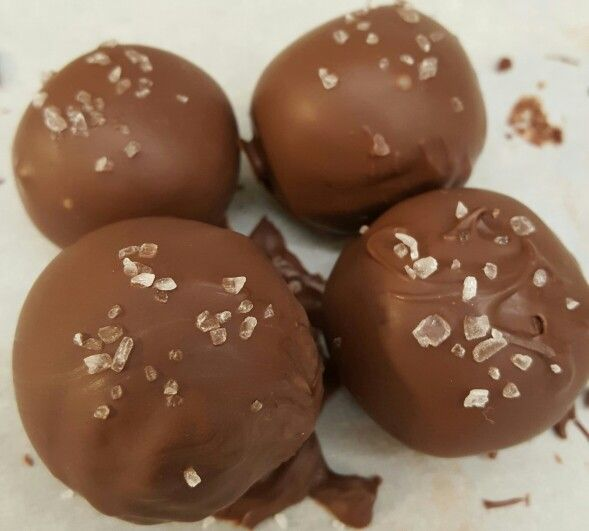 Chocolate Truffles with Sea Salt a la Pioneer Woman