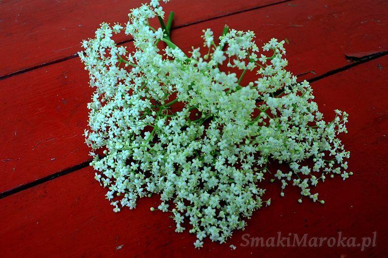 Domowy Syrop Z Kwiatu Czarnego Bzu Smakimaroka Pl Herbs Plants