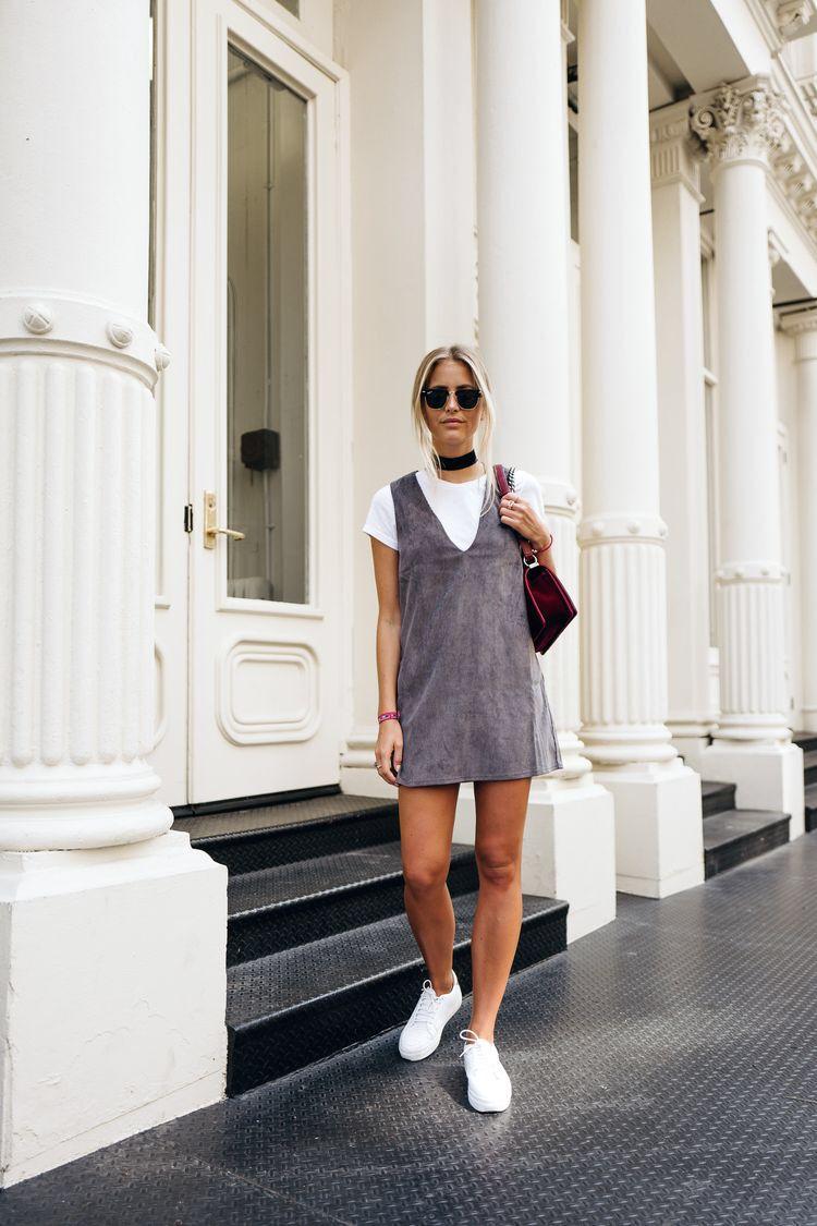   Básico e Fashion - Vestido + T-Shirt + Tênis  