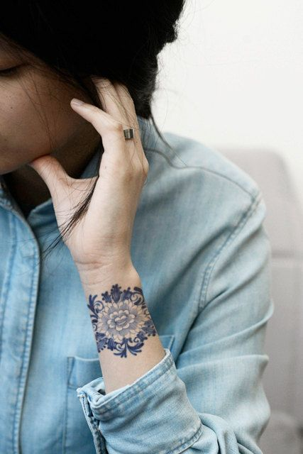 Temporary+'Delfts+Blauw'+floral+tattoo+by+Tattoorary+on+Etsy,+$6.00