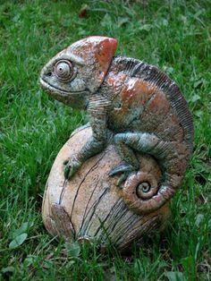 Clay figurine artists from Abramtsevo