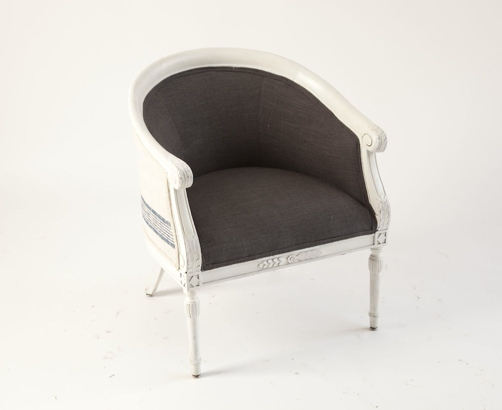 Cute But Comfy Master Bed Upholstered Chairs Barrel