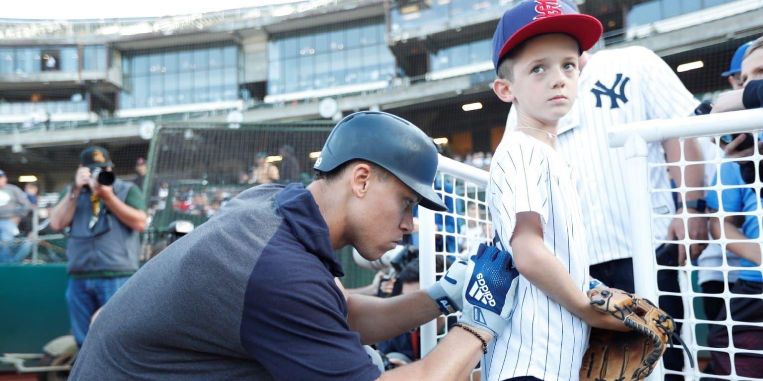 The Official Site Of Major League Baseball Yankees Fan College Baseball Yankees